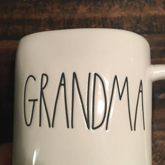 """RAE DUNN """"GRANDMA"""" mug🖤 NWT!🌲The perfect gift🎁"""